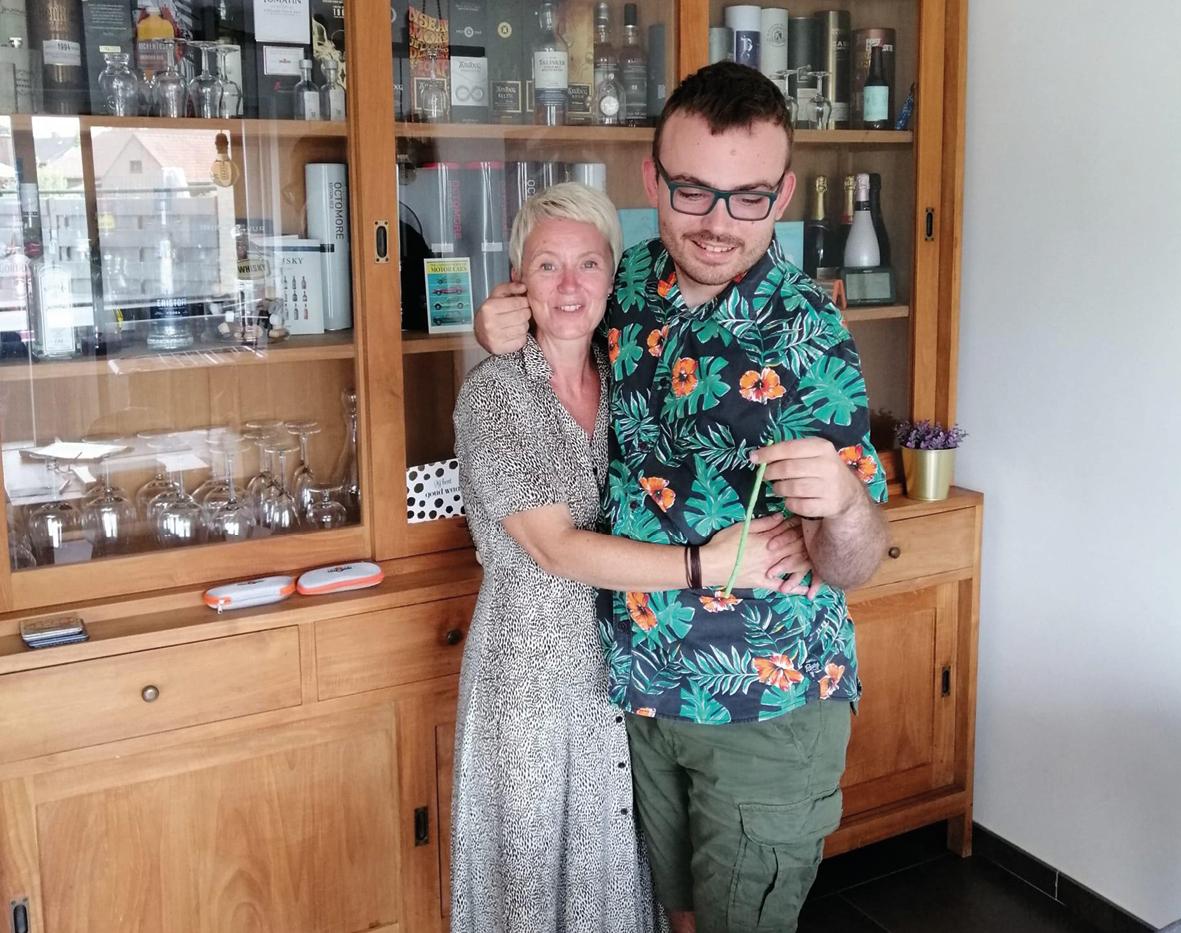 Isabelle Van Kwikkelberghe en zoon Arne Adam
